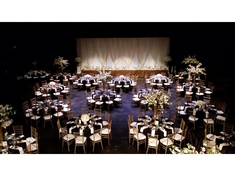 Large room with beautiful wedding tables
